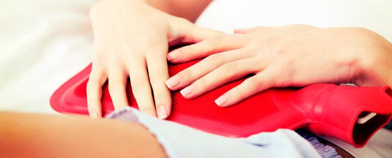Можно ли греться в ванной при цистите женщинам, греть ноги и живот грелкой