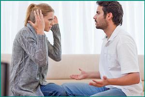 Мужчина с женщиной ссорятся